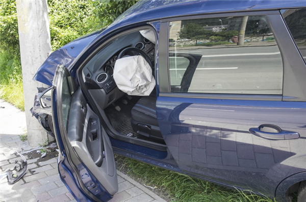 How Are Airbags Fixed After an Accident? | Suburban Auto Body