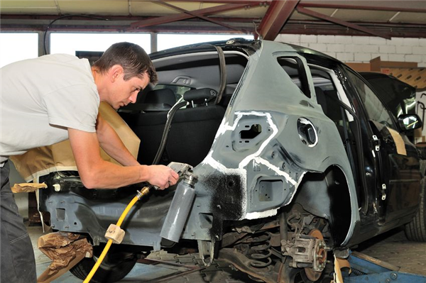 The Importance of Properly Preparing Your Car for Painting and How Suburban Auto Body Does This